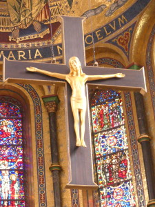 Altarkreuz des Mariendoms