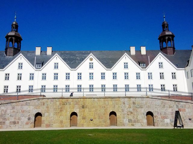 Castles and Lakes of East Holstein